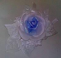 Свадебная бутоньерка для гостей № 2 (бело-голубая)