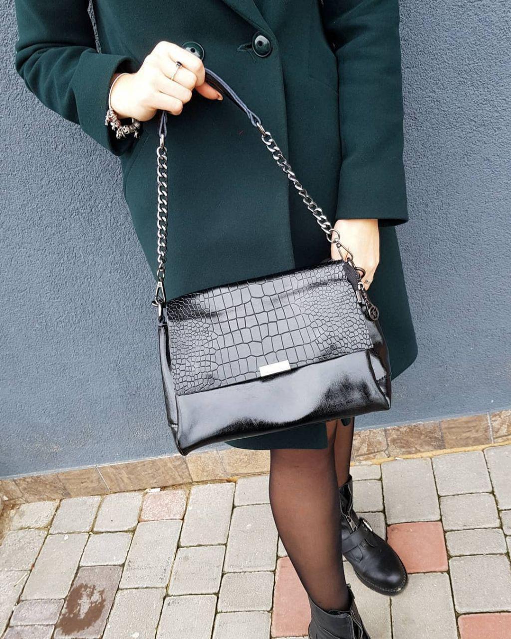 Женская черная кожаная сумка 01047