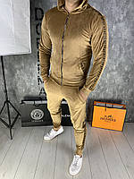 Велюровый спортивный костюм fendi