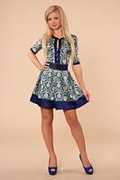Платье из сатина с модным принтом