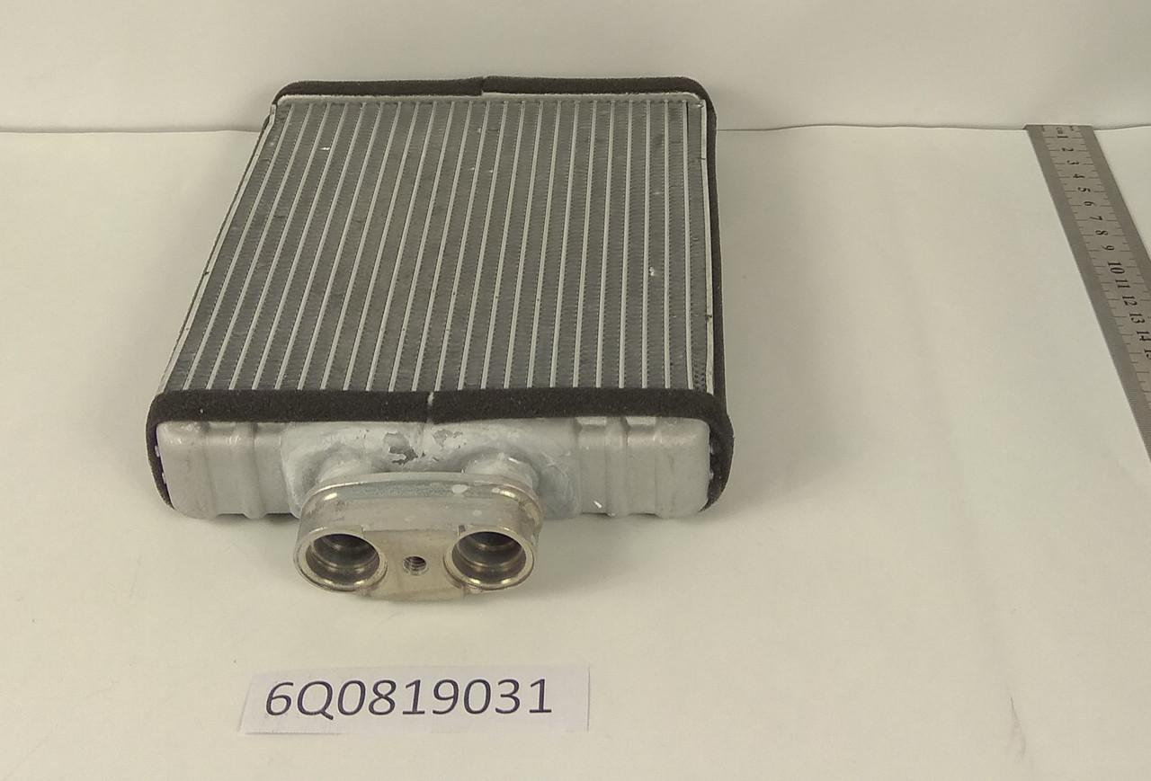 Радиатор печки Audi A1 (175*180мм по сотах) KEMP
