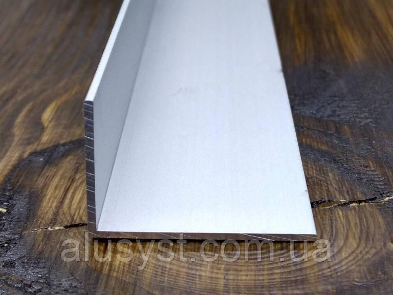 Алюминиевый уголок, Анод, 30х20х2 мм