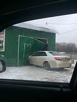 Как защитить подъезд к гаражу или дорожку от обледенения