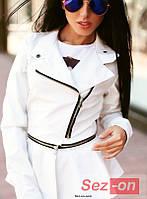Куртка женская со съемной баской - Белый
