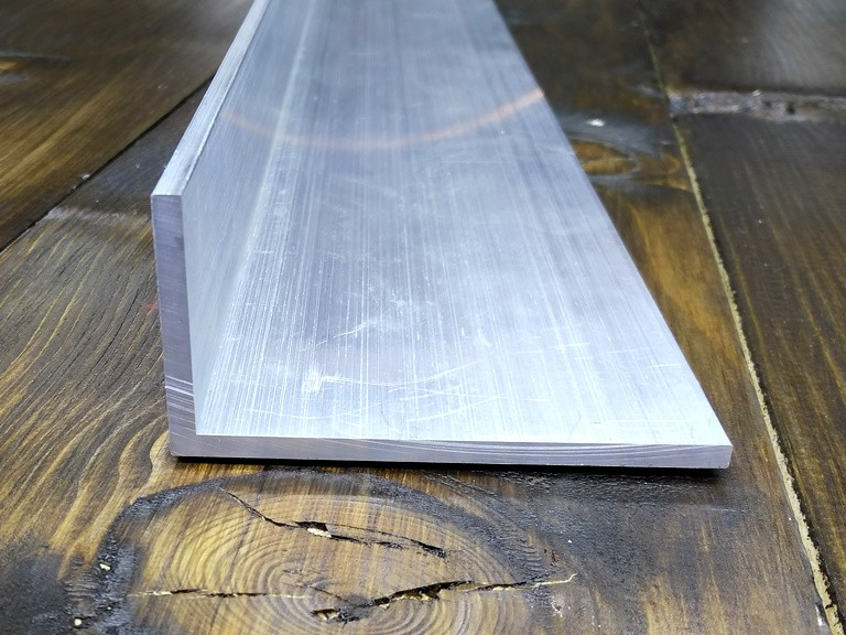 Алюминиевый уголок Без покрытия, 60х40х4 мм