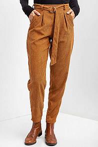 Вельветовые брюки-бананы GAIA коричневого цвета со встречными складками на высокой талии
