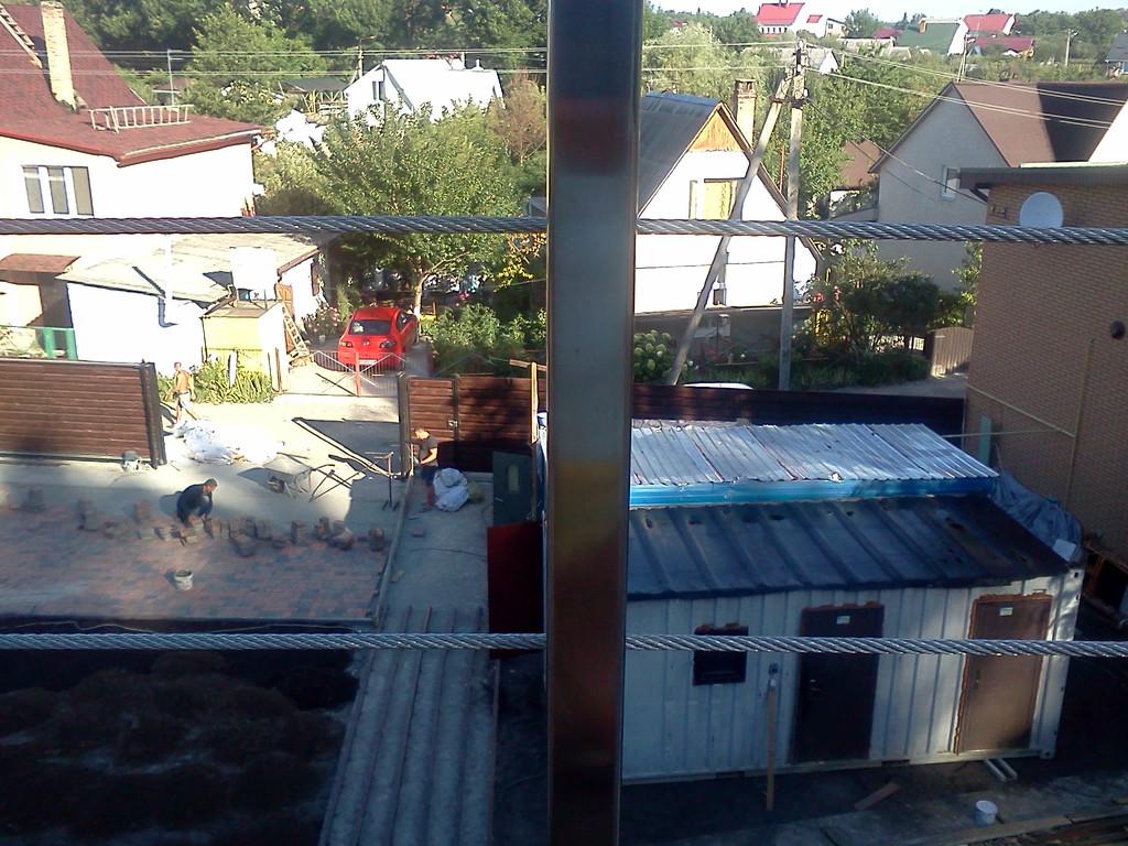 тросовое ограждение  терассы в частном доме. Обуховский район, Киевская область. август 2015 года 11