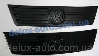 Зимняя матовая накладка на решетку (верхняя) на Volkswagen Caddy Life 2004-2010 гг.