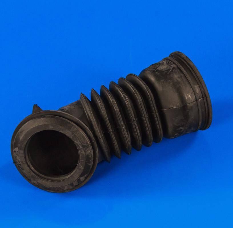 Патрубок от порошкоприемника к баку (заливной) Bosch 151822