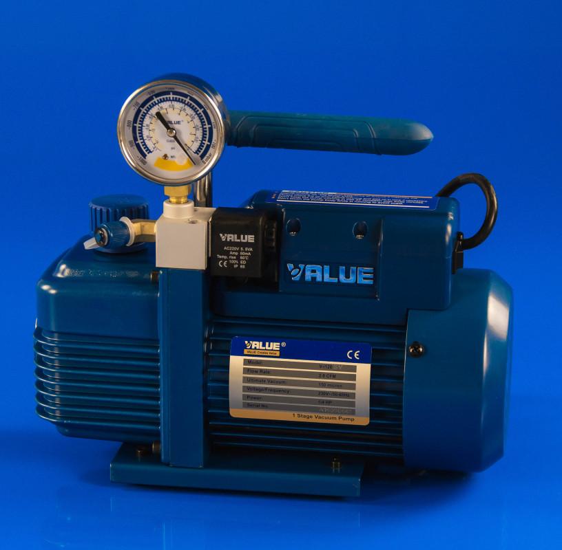 Вакуумный насос с манометром 51л/мин Value VI-120 SV