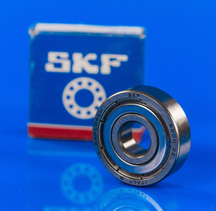 Подшипник в фирменной упаковке SKF 200 zz