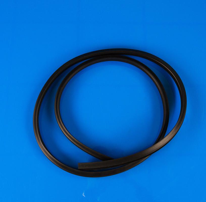 Уплотнительная резина дверцы Zanussi 1525399000