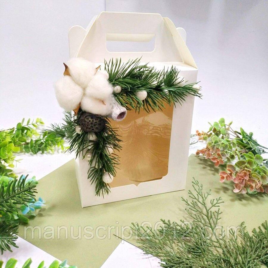 Коробка подарункова з декором 210х180х90 мм.