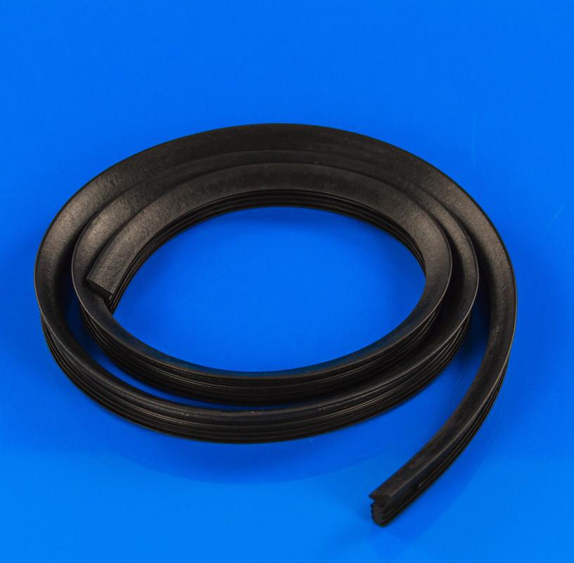 Уплотнительная резина Indesit Ariston C00141316 для посудомоечной машины