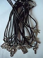 Готика в ассортименте на шнурке под серебро