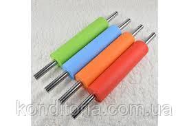 Скалка силиконовая с металлическими ручками