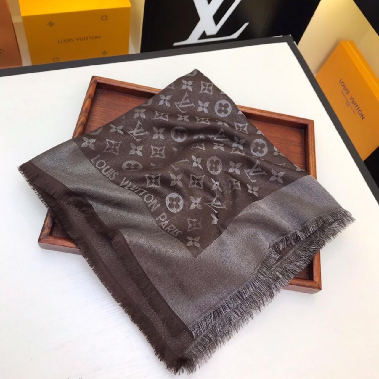 Хустку, шаль, палантин Луї Вітон з люрексом, якістю ААА