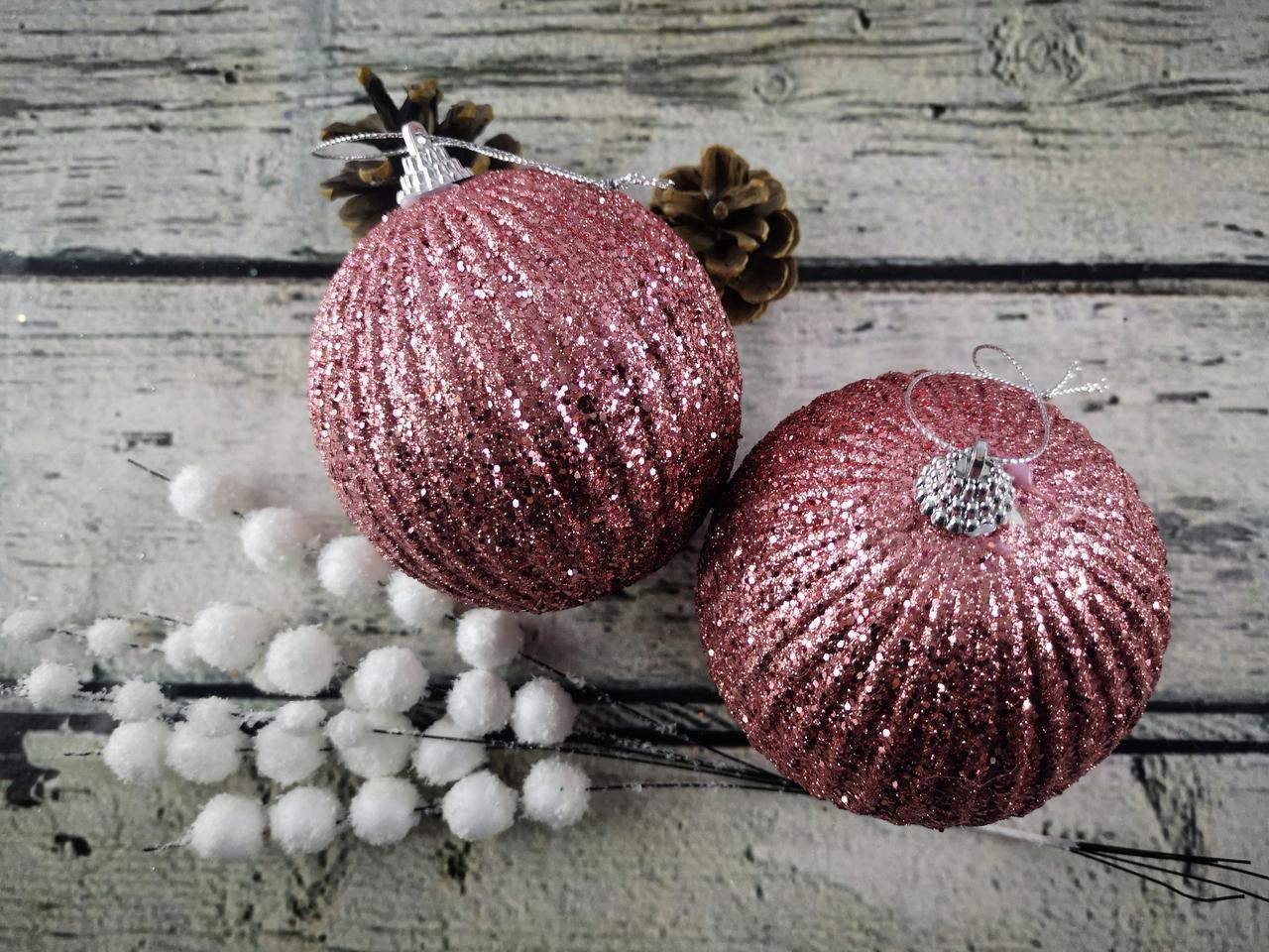Новорічна іграшка Куля рожевий з блискітками 10 см ЦІНА за 1 шт. 92082-PN Pioner