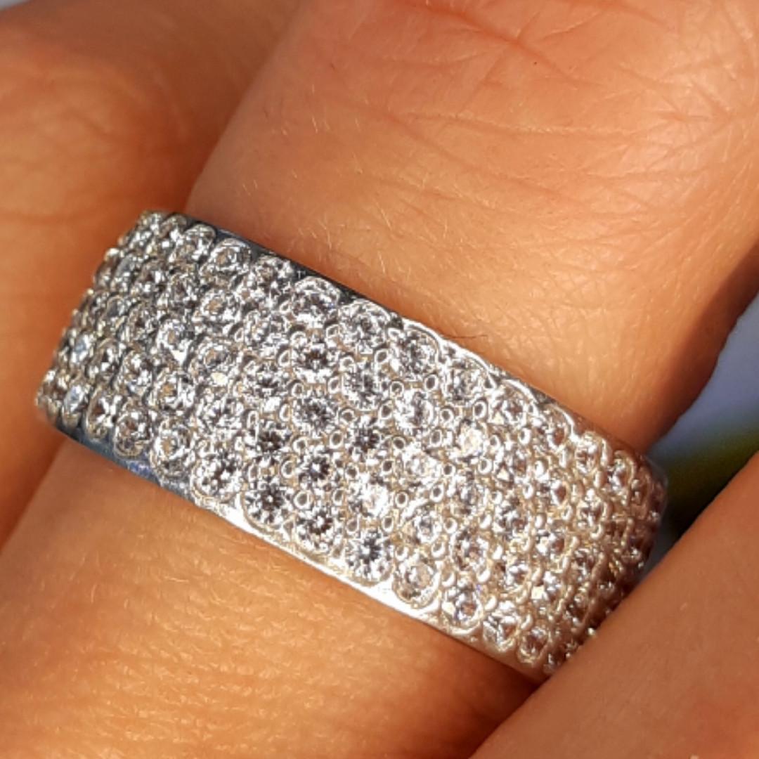 Серебряное родированное кольцо широкая дорожка усыпка россыпь цирконами