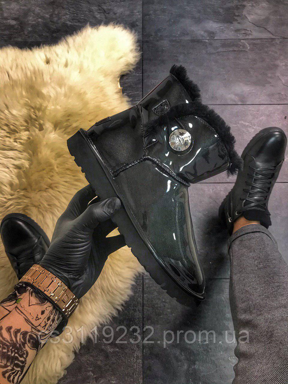 Жіночі чоботи зимові UGG Classic Mini (чорний)
