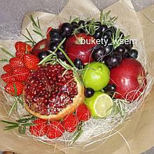 Фруктовий букет подарунковий вітальний для жінки Перлина гранат полуниця