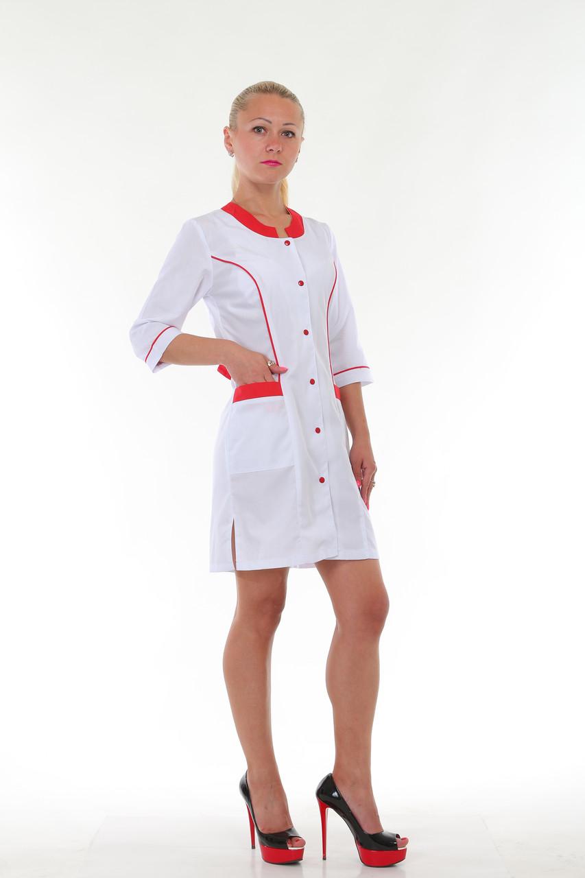 Женский медицинский халат с красными вставками на кнопках