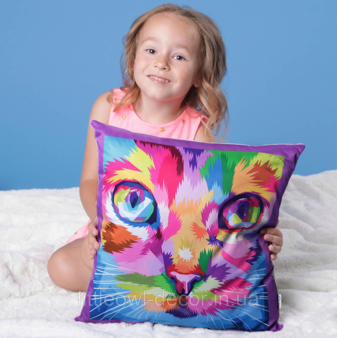 Подушка Кот цветной 40х40см