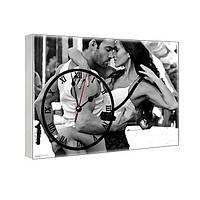 Часы на холсте с принтом Влюбленные 29х41 см