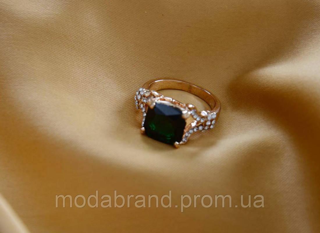 Шикарное кольцо с зеленым камнем,  продажа, цена в Киеве. кольца и ... 4da3e13a48f