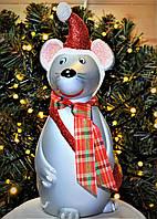 """Символ года, пластиковая игрушка под елку""""Мышка """". Высота 30 см. Цвет красный."""