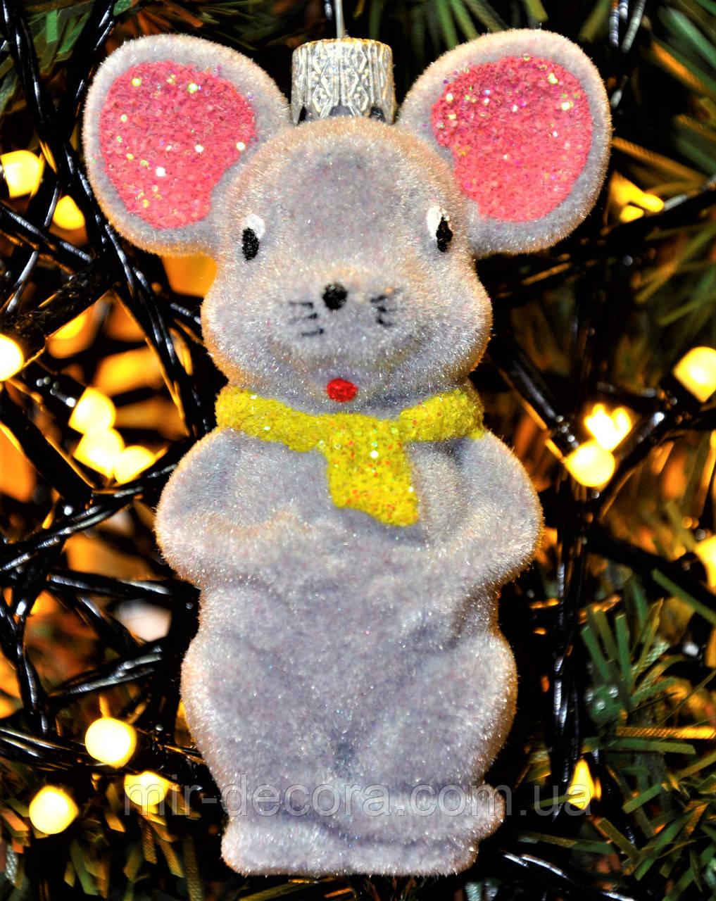 """Символ года. Игрушка на елку из пластика """"Мышка"""". Высота 9 см. Пушистая. Цвета в ассортименте."""