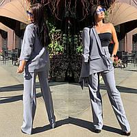 Женский брючный костюм с брюками клеш с завышенной талией и пиджаком r5810137