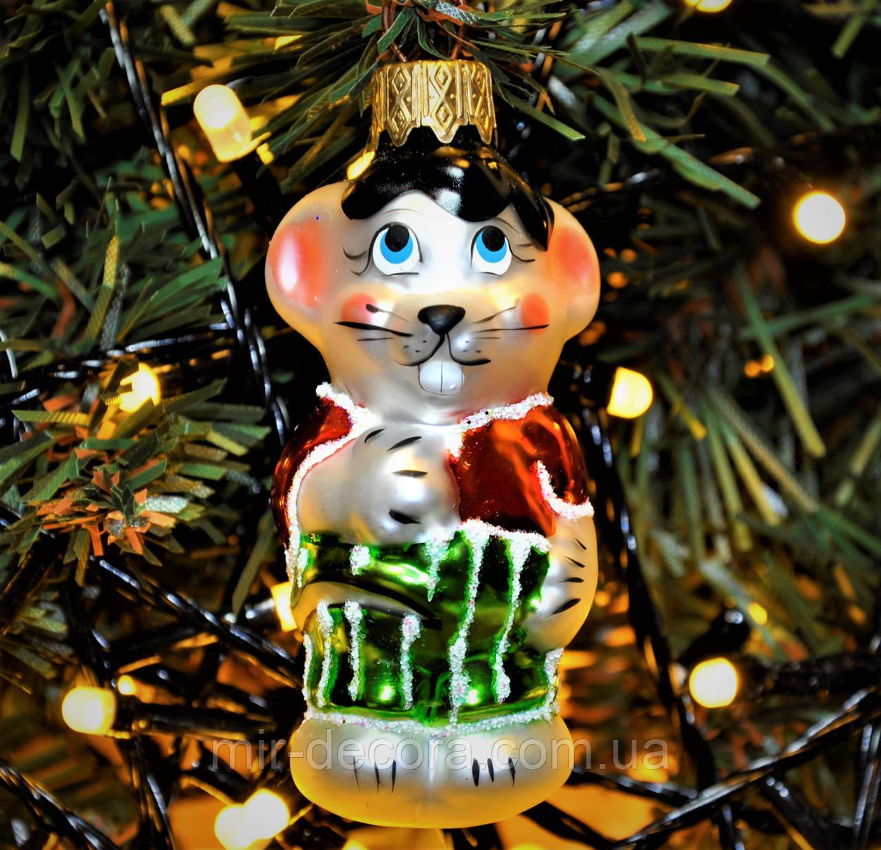 """Игрушка новогодняя стеклянная """"Мышь малыш"""". Размер 7 см. Цвет зеленый."""
