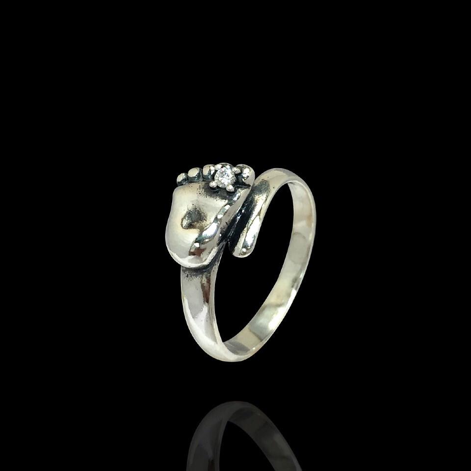 Серебряное кольцо Стопа малыша