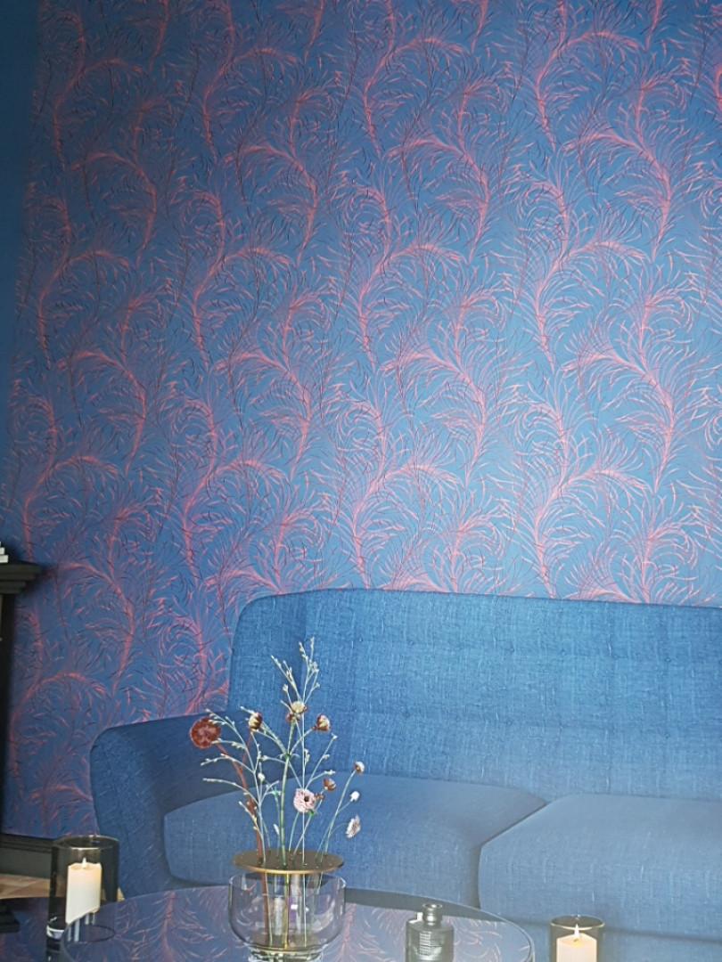 Шпалери вінілові на флізелін Marburg 82127 Felicita абстракція пір'я червоні, бордові на темно синьому