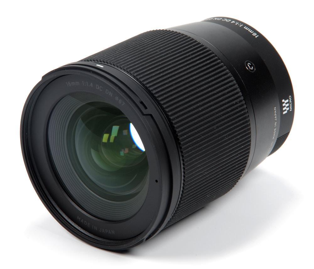 Широкоугольный объектив Sigma AF 16mm f/1,4 DC DN C