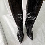 """Сапоги черные с тиснением """"крокодил"""" на толстом каблуке, фото 2"""