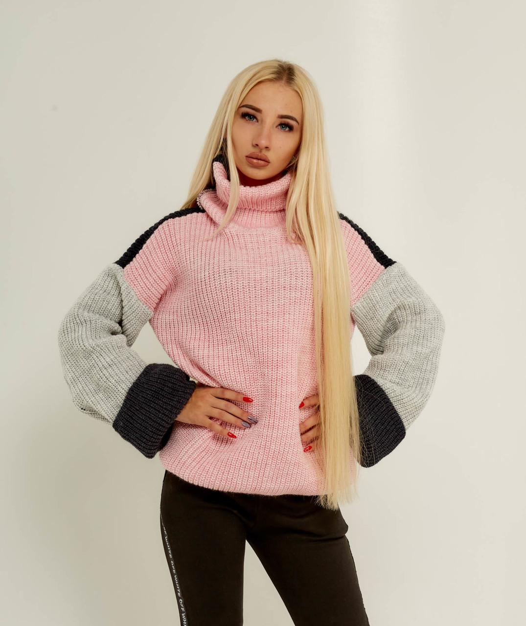 Трехцветный вязаний свитер