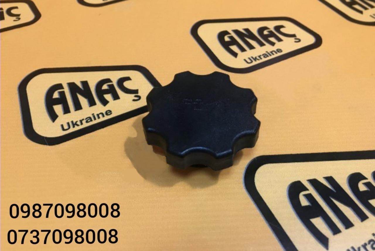 Крышка маслозаливной горловины для двигателя на JCB 3CX, 4CX номер : 320/04090, 320/04091