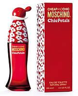 Moschino Cheap & Chic Chic Petals туалетная вода 100 ml. (Москино Чип Энд Чик Чик Петалс), фото 1