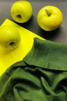 Зеленый женский гольф в обтяжку яблочный Milano Zone Милано с высоким горлом и манжетами L | XL, фото 2