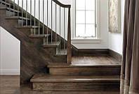 Деревянная лестница из массива ясеня под заказ