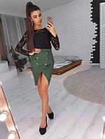 Комплект: Зеленая замшевая юбка с запахом и гипюровый топ, фото 1
