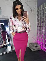 Комплект: Малиновая юбка карандаш с вырезом и цветочный боди, фото 1