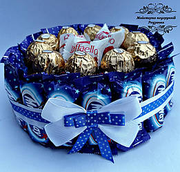 Подарунок тортик з цукерок. Солодкий подарунок на День народження, ювілей, свято