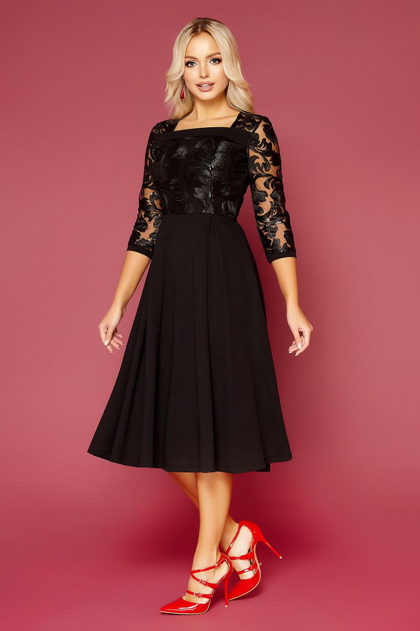 Черное нарядное платье-миди с вышивкой