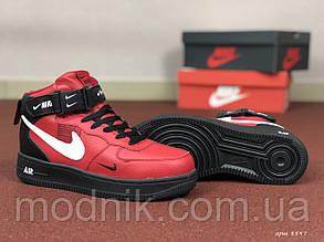 Женские зимние кроссовки Nike Air Force (черно-красные)