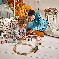 Детские конструкторы завоевывают популярность в качестве игрушки для детей на время отпуска