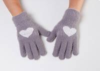 Перчатки женские зимние из ангоры с рисунком сердечко темно-серые, опт