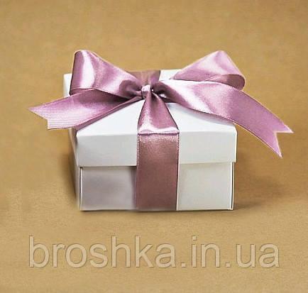 Подарочная коробочка для украшений с лентой